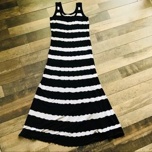 Calvin Klein Black & White Sleeveless Maxi Dress